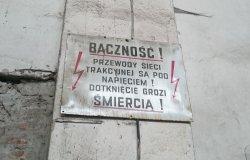 Tablica ostrzegawcza dla linii zelektryfikowanych